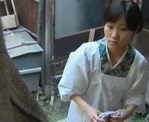 ヘンリー塚本 近所に住む義理のおじさん、娘を手玉にとり生中出しで妊娠