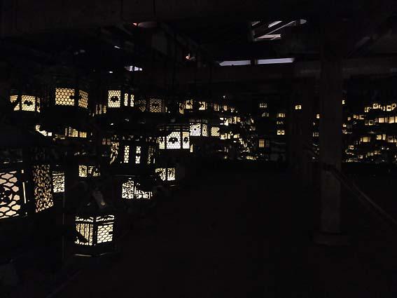 藤波之屋の燈籠