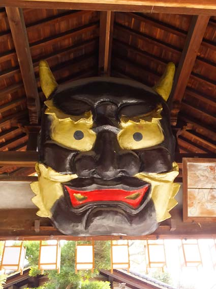 櫻井神社絵馬殿のこおどり鬼面
