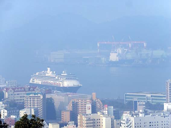 早朝の長崎港