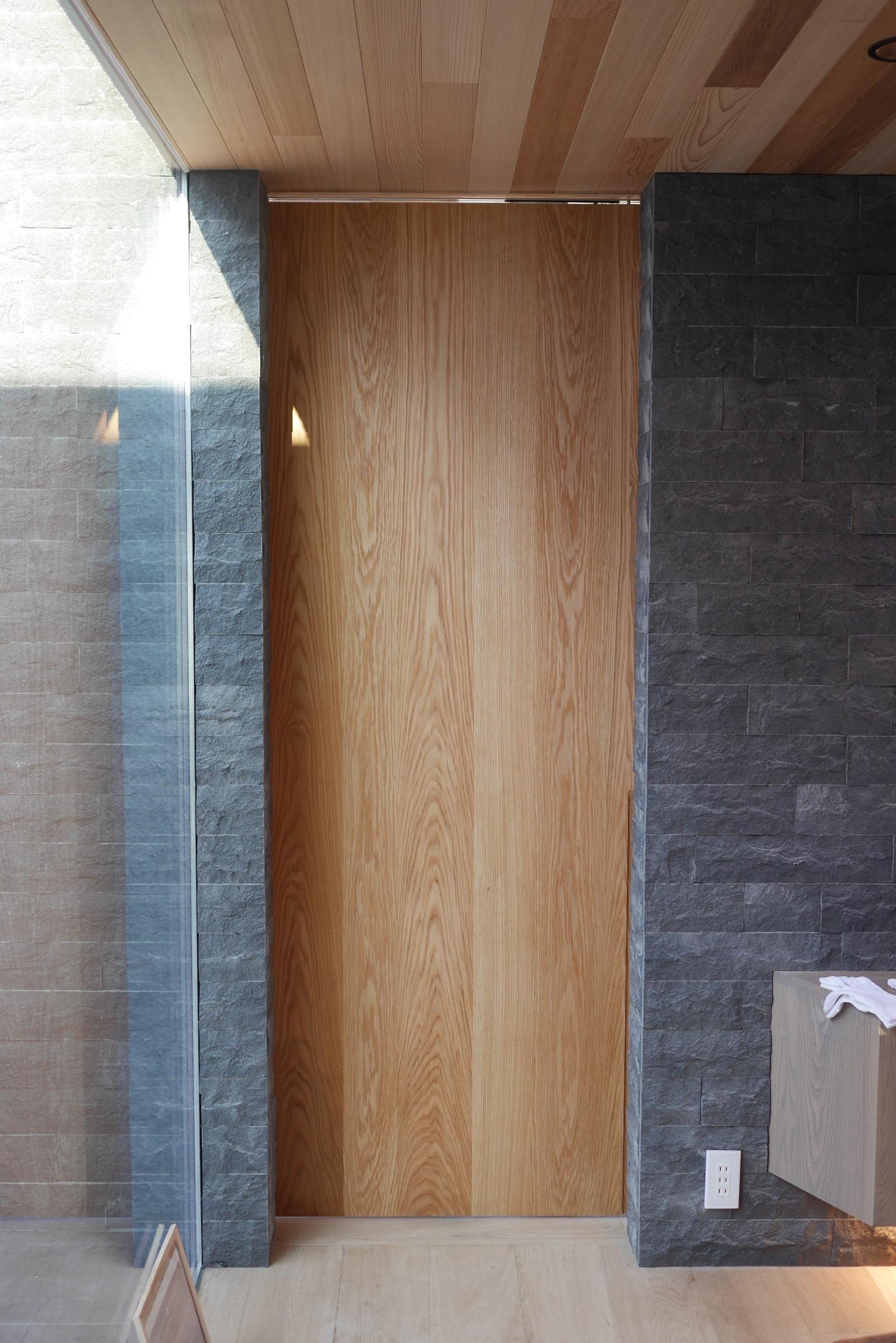 玄関 リビングのドア