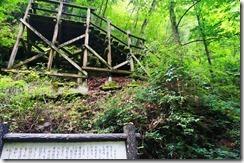 深城ダム 小菅村 白糸の滝 駐車場 林道 滝