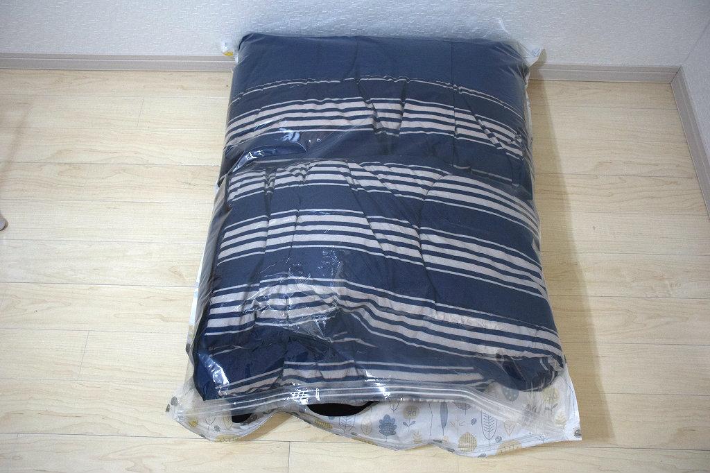 手動ポンプ付きの圧縮袋で寝袋の収納が簡単に3