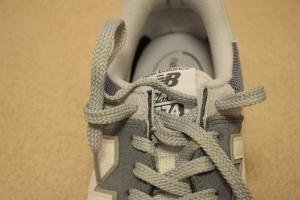 ニューバランスのスニーカーの靴紐の結び方7