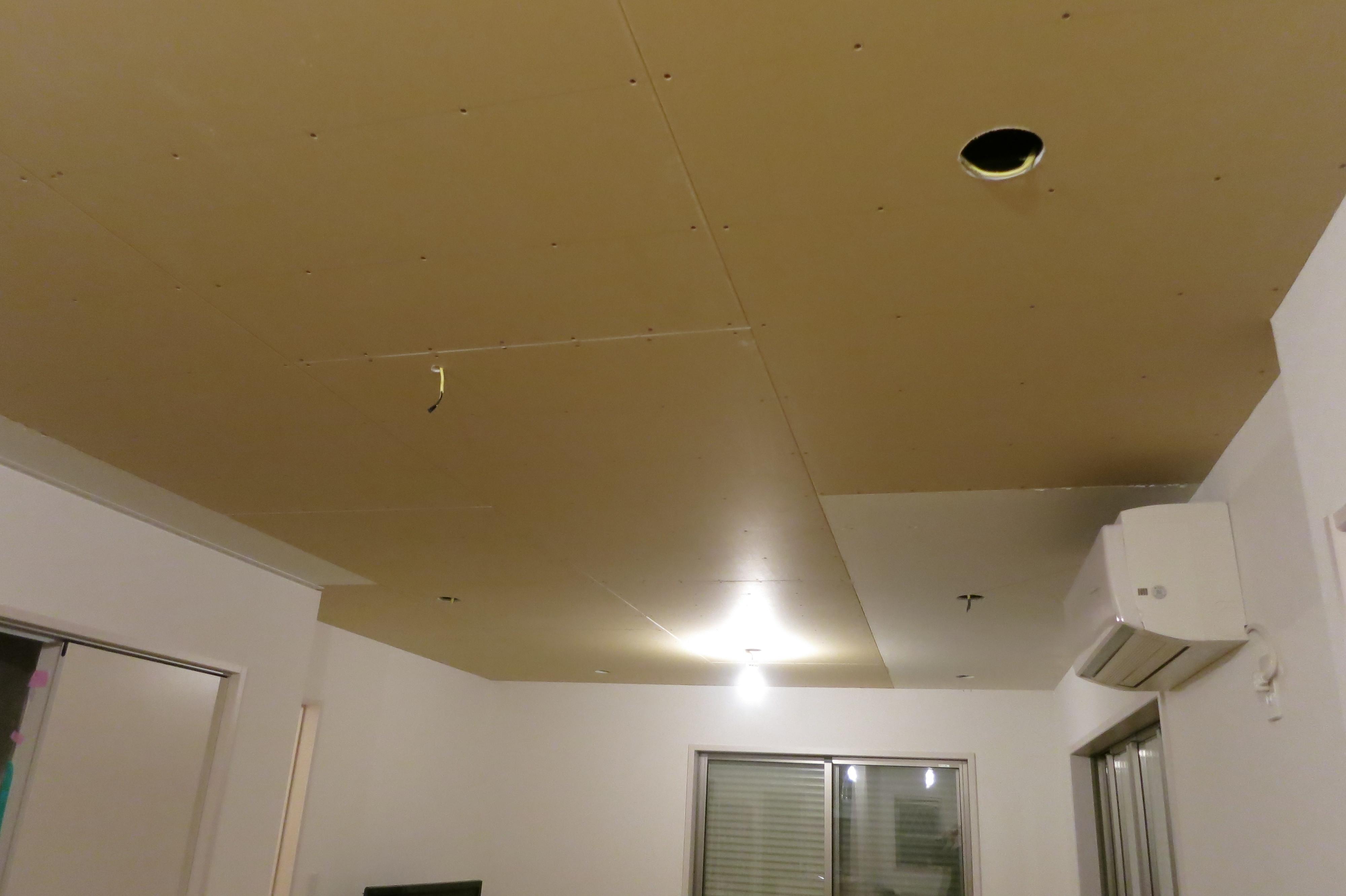 DAY 3 LDKの天井ボード取り付け