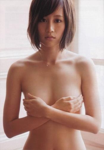 前田敦子 あっちゃん結婚でAKBの株が上がるのだろうかおっぱい画像