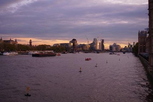 ロンドン (82)
