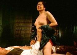 五月みどり(女優濡れ場)映画「丑三つの村」夫の留守中に近所の家に招き入れハメまくる美熟女