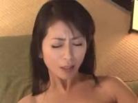 長谷川美紅 アラフォーの美熟女が甥っ子の若いチンポで突き上げられて絶叫しながら淫らな姿を晒す