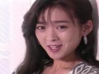 秋元ともみ 80年代の人気No1美少女女優が3Pまで披露して控えめに喘ぐ姿はフル勃起間違い無し