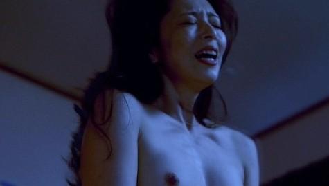 有森也実(女優濡れ場)映画「TAP 完全なる飼育」でラブシーンチクビ出しぬーど。(※写真あり)
