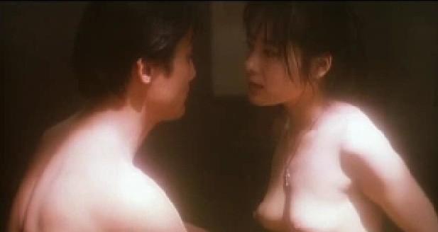 富田靖子(女優濡れ場)映画「南京の基督」で乳首 だけでなくヘアヌードまで丸出し巨乳オッパイを揉まれセックスされる濡れ場。(※動画あり)