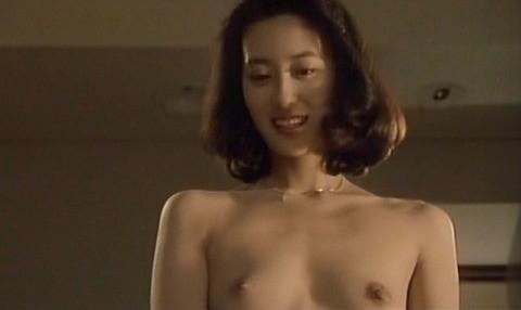 綾部美紀(女優濡れ場)映画「静かなるドン1」でラブシーン乳首出しヌードを披露。(※画像あり)