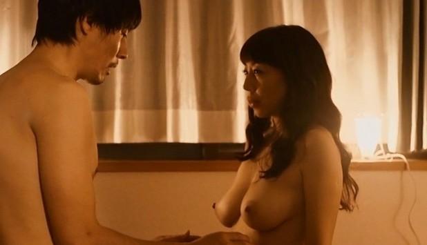 水谷ケイ(女優濡れ場)映画「農家のヨメ あなたに逢いたくて」でチクビ丸出し裸美巨乳濡れ場SEXシーンを披露。(※ムービーあり)
