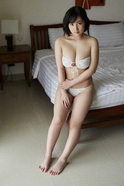 紗綾のまだまだ成長途上の巨乳おっぱい17
