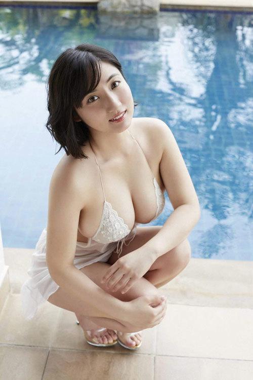 紗綾のまだまだ成長途上の巨乳おっぱい31