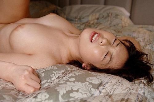 3次元 気持ちよさそうにセックスをしている女の子たちのエロ画像まとめ 40枚