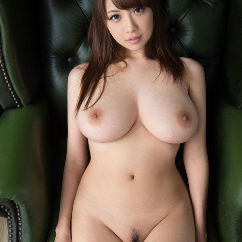美美巨乳のお乳とくびれというスーパー体を持ったav女優 えろ写真