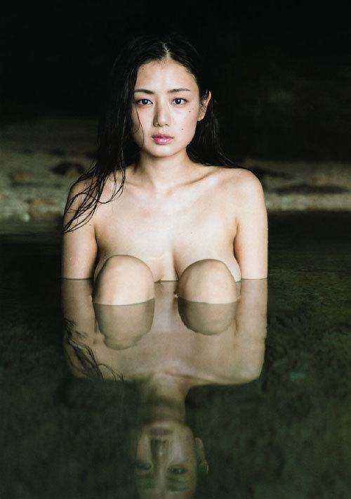 片山萌美の巨乳輪のおっぱいがエロ過ぎ39
