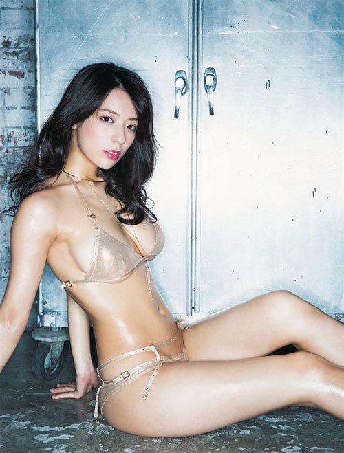 小瀬田麻由(23) 日本人離れしたFカップバスト。