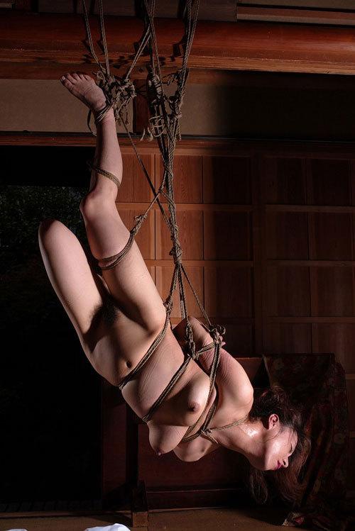 3次元 吊るされてる系の緊縛SM画像ください 39枚
