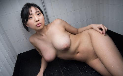 桐谷まつりのHカップ天然美巨乳おっぱい100