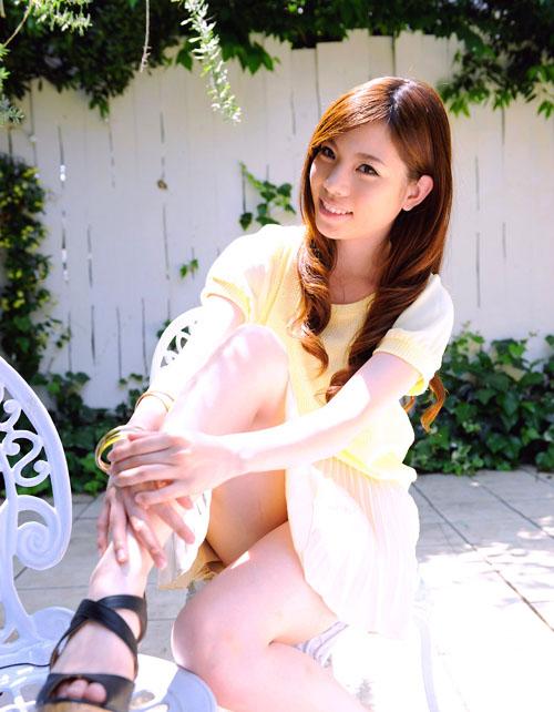 男が「ドキドキ」するようなミニスカートをはきこなす有能なお姉さんの画像wwww