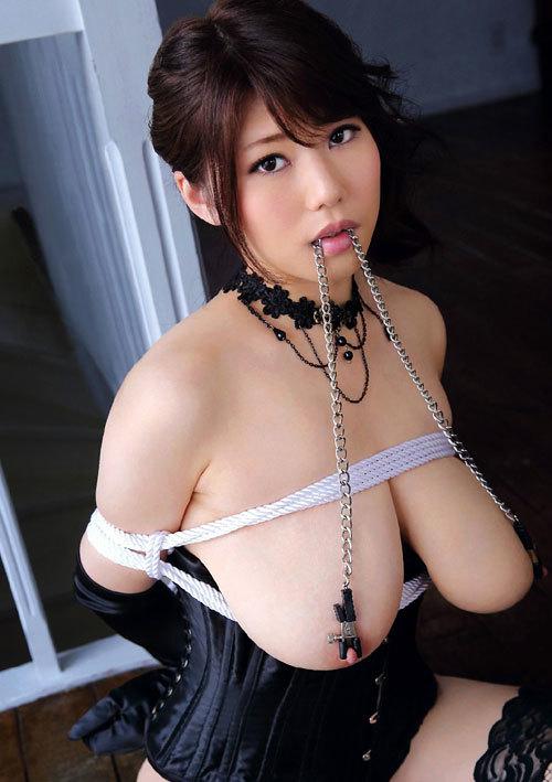 おっぱいを縛り上げられ緊縛調教されるドM嬢10