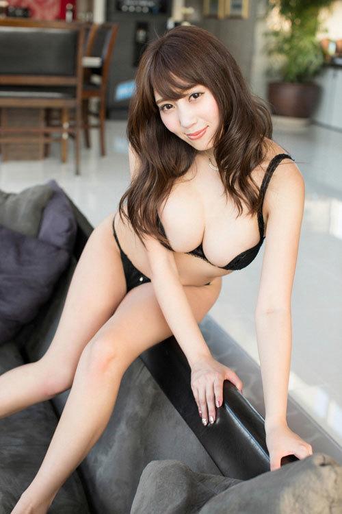 森咲智美の愛人にしたいNo.1のおっぱい81