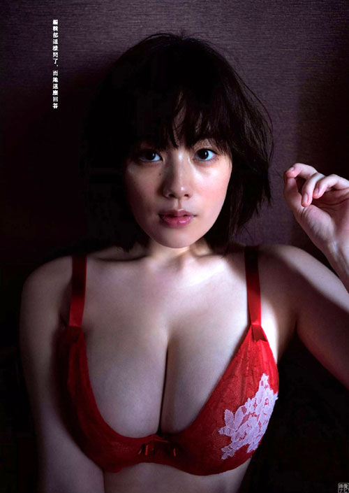 女優として大活躍中の筧美和子(23) 巨乳ニットとランジェリー。