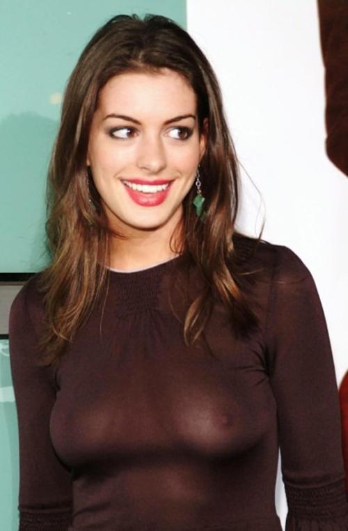 【美人女優アン・ハサウェイの綺麗な乳首の巨乳おっぱい】画像39枚