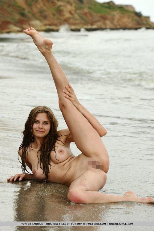 【大開脚】思い切りマ○コ見せながら大股開きしてる外人美女たち Part7 # 外人エロ画像