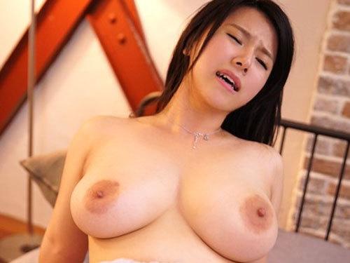 藤井美琴 Iカップ爆乳若妻がどうしても夫以外とセックスがしたくてAV応募