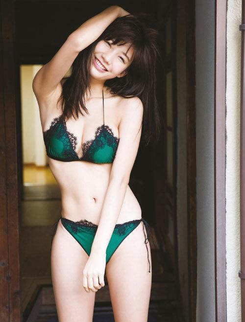 小倉優香ナンバーワングラドルのおっぱい7