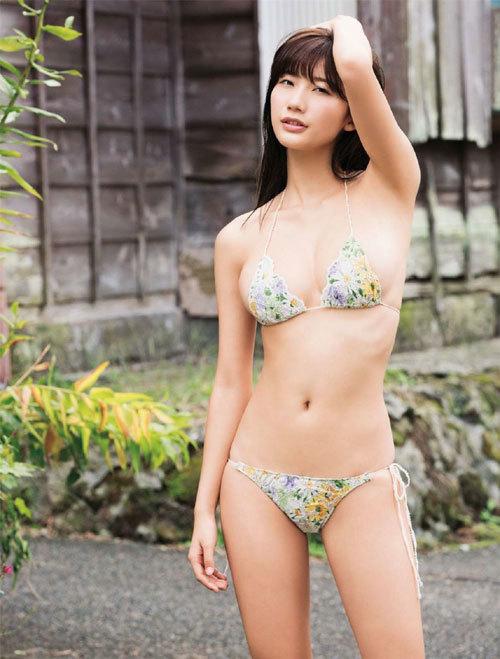 小倉優香ナンバーワングラドルのおっぱい22