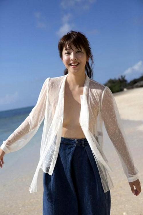 【セミヌード】本郷杏奈(26)日本一恥ずかしがり屋のグラドルが全裸解禁wwwwwww