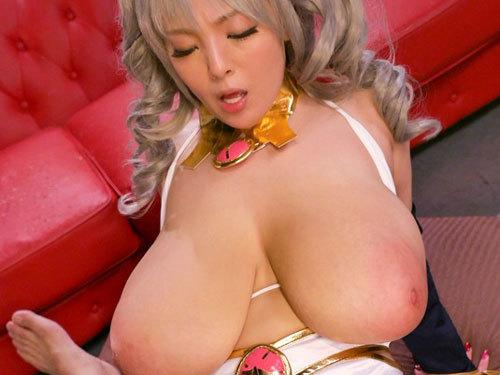 Hitomi Oカップのお乳が凄い超ロケット乳コスプレイヤー ナカ出し輪姦オフ会