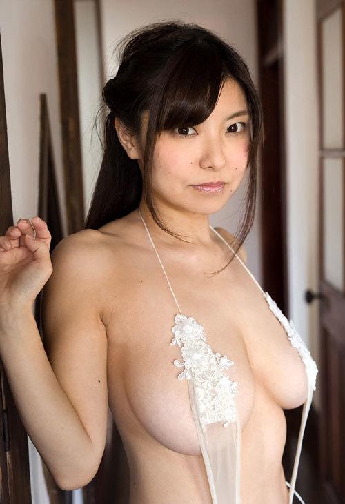 花井美理Jカップのはみ出し過ぎなおっぱい36