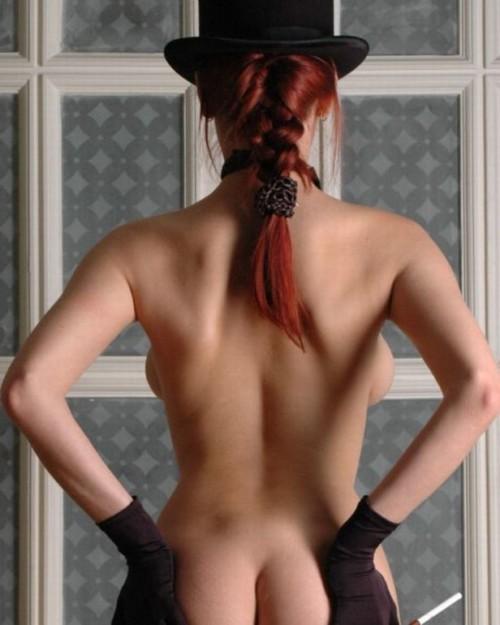 【エロ画像】本当のスタイルのいい女性は後ろから見てもボンキュッボンだという事実wwwwwwwwwww