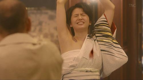 【長澤まさみキャプエロ画像】『コンフィデンスマンJP』過激衣装コスプレ衣装で脇全開や巨乳チラリwww