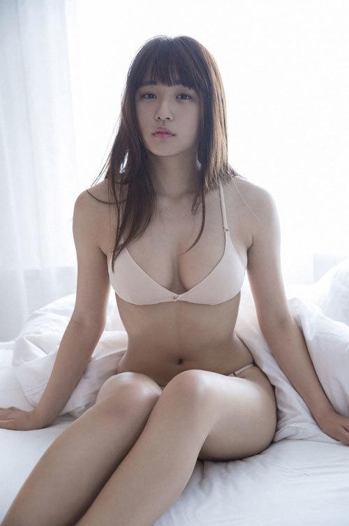 浅川梨奈の1000年に1度の童顔巨乳おっぱい49