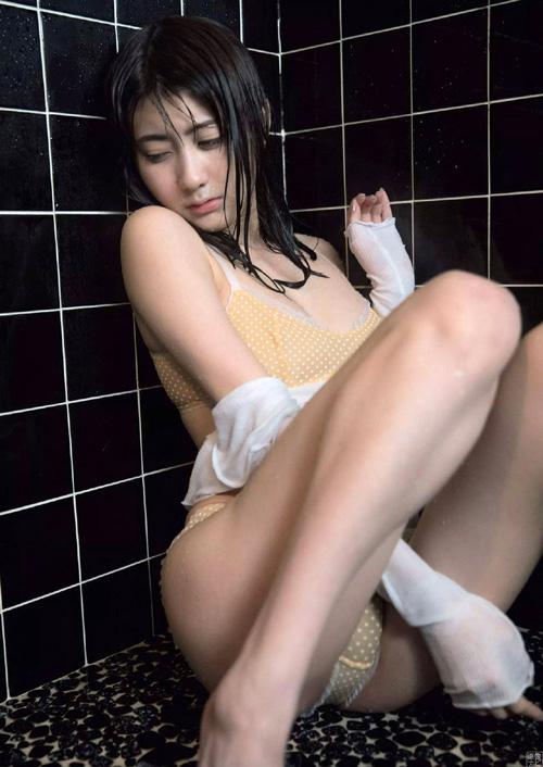 森田ワカナ(24) 小悪魔清楚な美乳のお姉さん。