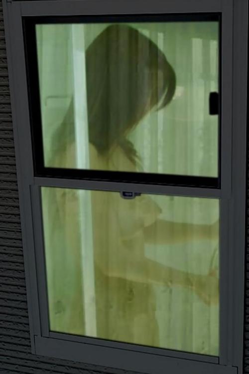 【着替え盗撮エロ画像】一人暮らしの女性宅を望遠レンズで隠し撮り…日頃の無防備な様子を覗くwww