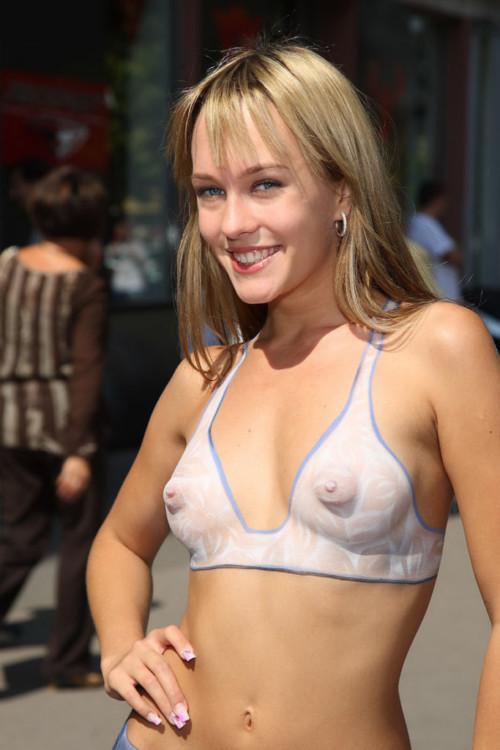 全裸姿でボディペイントをする女性の姿が芸術すぎてどこを見たらいいのかwwwwwwwww(画像あり)