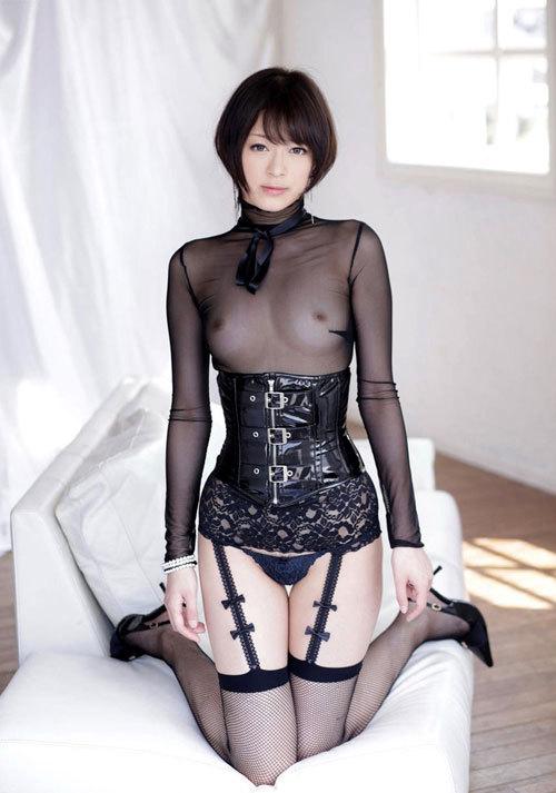 透け透け下着で乳首と乳輪が見えるおっぱい7