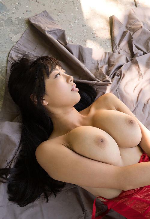 桐谷まつりのHカップ美巨乳おっぱい65