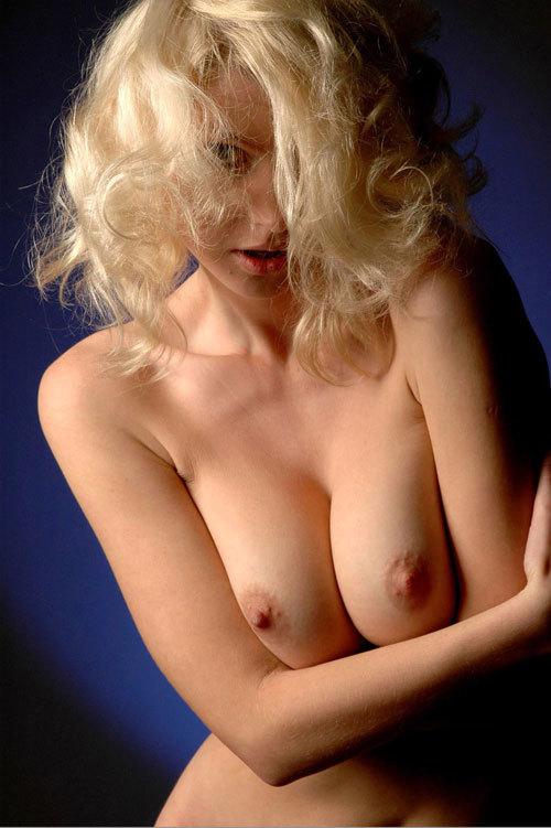 金髪美女の微乳から爆乳までいろいろおっぱい18
