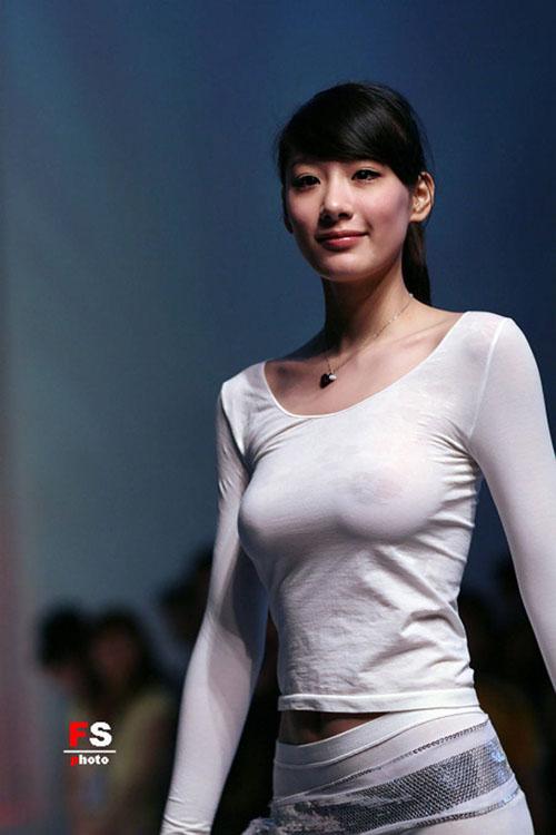 韓国美女の着衣巨乳が目の保養になりすぎるエロ画像33枚