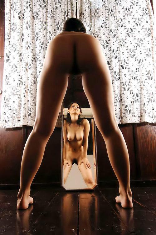 鏡に写ってるおねえさんのおっぱいも見たい23