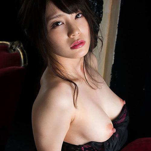 鈴村あいり 綺麗な美巨乳おっぱいに釘付け!無修正動画大量流出?!